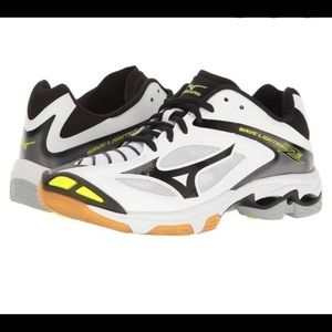 Mizuno Wave Lightening Z3 Volleyball shoes!